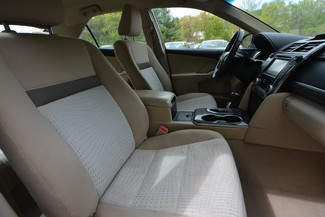 2014 Toyota Camry Hybrid XLE Naugatuck, Connecticut 8