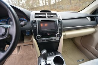 2014 Toyota Camry Hybrid XLE Naugatuck, Connecticut 21