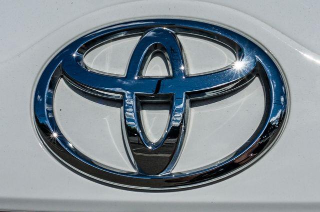 2014 Toyota Camry LE Reseda, CA 44