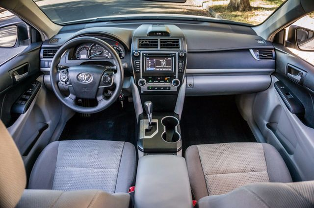 2014 Toyota Camry LE Reseda, CA 16