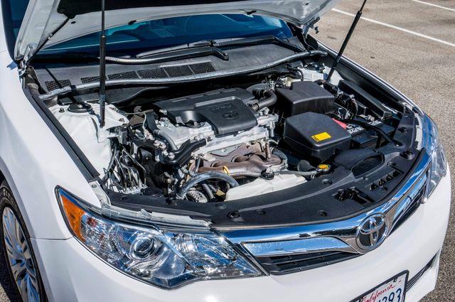 2014 Toyota Camry LE Reseda, CA 35
