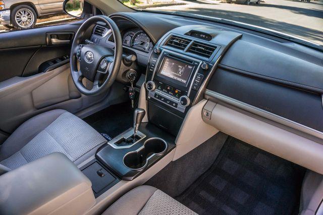 2014 Toyota Camry LE Reseda, CA 31