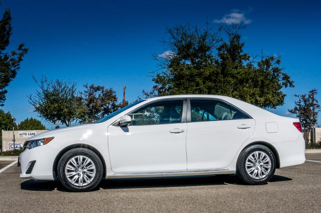 2014 Toyota Camry LE Reseda, CA 4