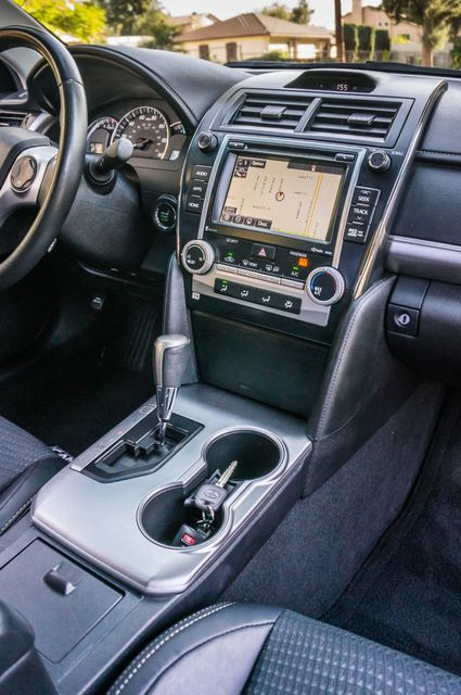 2014 Toyota Camry SE Sport - AUTO - NAVI - 47K MILES Reseda, CA 22