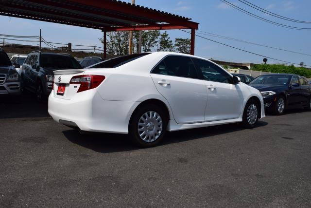 2014 Toyota Camry 4dr Sdn I4 Auto SE (GS) *Ltd Avail* Richmond Hill, New York 4