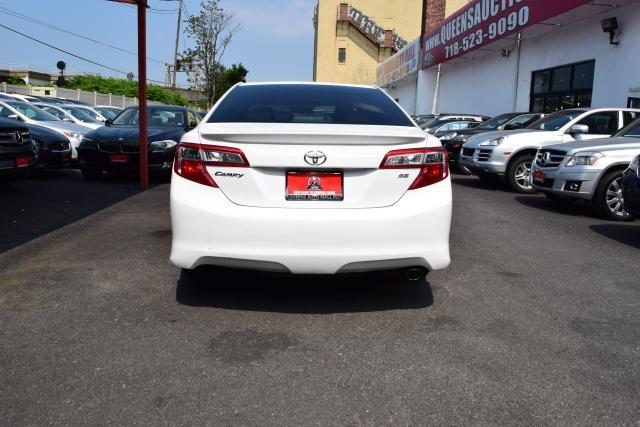2014 Toyota Camry 4dr Sdn I4 Auto SE (GS) *Ltd Avail* Richmond Hill, New York 5