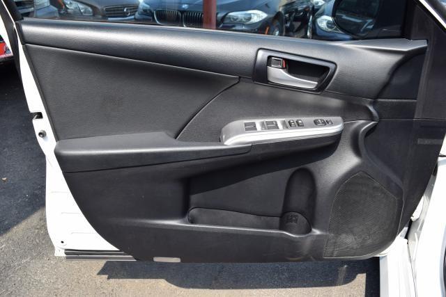 2014 Toyota Camry 4dr Sdn I4 Auto SE (GS) *Ltd Avail* Richmond Hill, New York 7