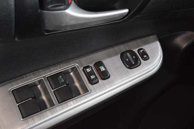 2014 Toyota Camry 4dr Sdn SE Richmond Hill, New York 12