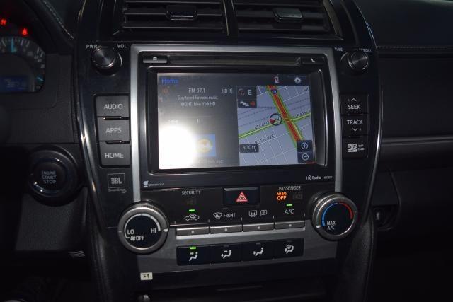 2014 Toyota Camry 4dr Sdn SE Richmond Hill, New York 17