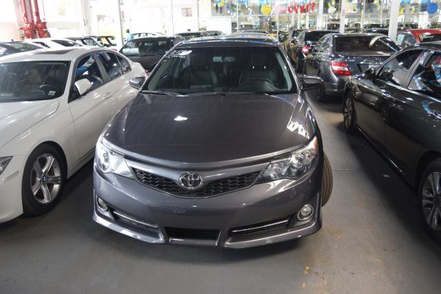 2014 Toyota Camry 4dr Sdn SE Richmond Hill, New York 2