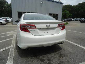 2014 Toyota Camry SE V6. NAVI. JBL SOUND. SUNRF. BLIND SPOT. CAMERA SEFFNER, Florida 10
