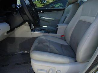2014 Toyota Camry Hybrid XLE. NAVI. SUNRF. JBL. LTHR. BLIND SPOT SEFFNER, Florida 4