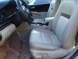 2014 Toyota Camry XLE V6. NAVIGATION. LTHR. SUNRF. PUSH STRT SEFFNER, Florida 4