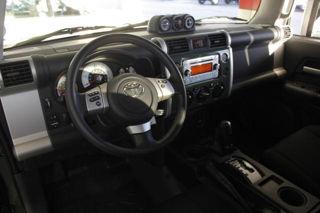 2014 Toyota FJ Cruiser 4WD - CONVENIENCE PKG! Mooresville , NC 26