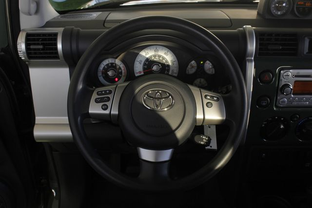 2014 Toyota FJ Cruiser 4WD - CONVENIENCE PKG! Mooresville , NC 5