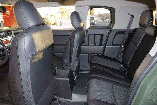 2014 Toyota FJ Cruiser 4WD - CONVENIENCE PKG! Mooresville , NC 34