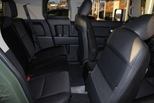 2014 Toyota FJ Cruiser 4WD - CONVENIENCE PKG! Mooresville , NC 35