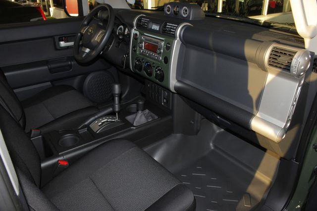 2014 Toyota FJ Cruiser 4WD - CONVENIENCE PKG! Mooresville , NC 27