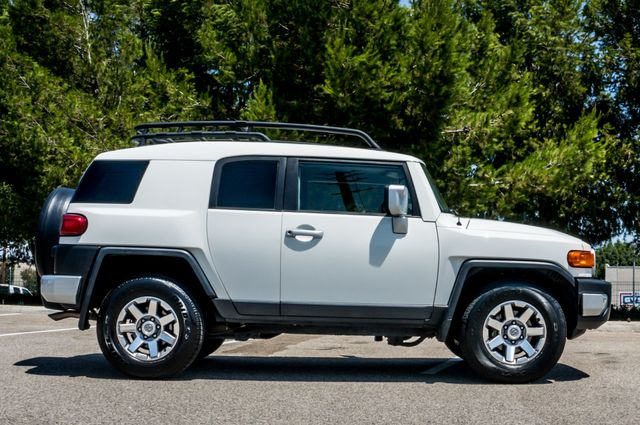 2014 Toyota FJ Cruiser UPGRADED PKG - 21K MILES - BACK UP CAMERA Reseda, CA 6