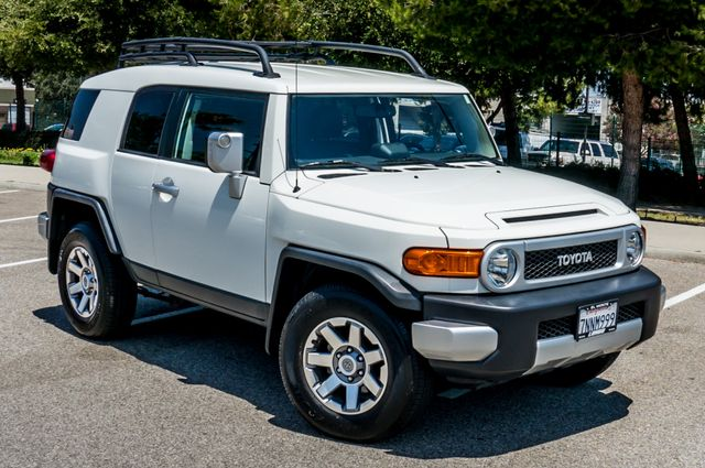 2014 Toyota FJ Cruiser UPGRADED PKG - 21K MILES - BACK UP CAMERA Reseda, CA 41
