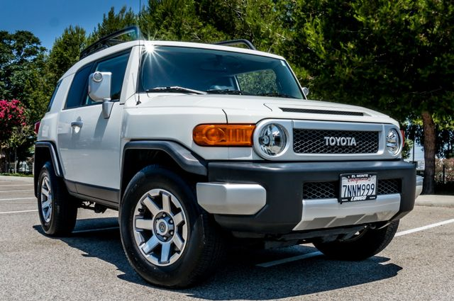 2014 Toyota FJ Cruiser UPGRADED PKG - 21K MILES - BACK UP CAMERA Reseda, CA 40