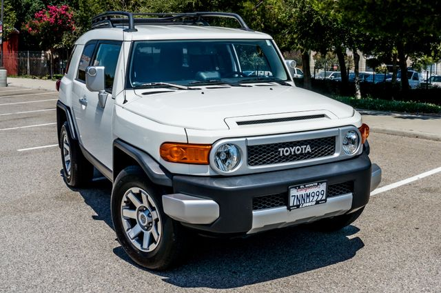 2014 Toyota FJ Cruiser UPGRADED PKG - 21K MILES - BACK UP CAMERA Reseda, CA 39