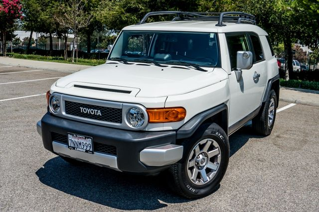 2014 Toyota FJ Cruiser UPGRADED PKG - 21K MILES - BACK UP CAMERA Reseda, CA 38
