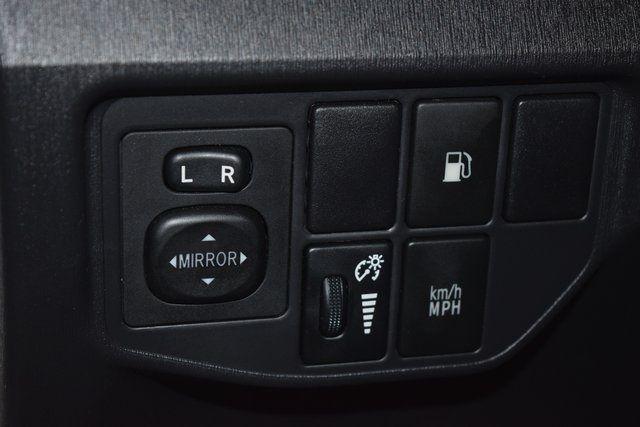 2014 Toyota Prius Plug-In Advanced Richmond Hill, New York 18