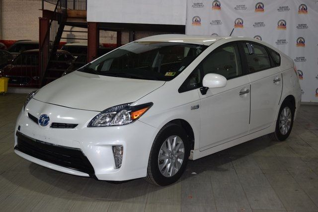 2014 Toyota Prius Plug-In Advanced Richmond Hill, New York 2