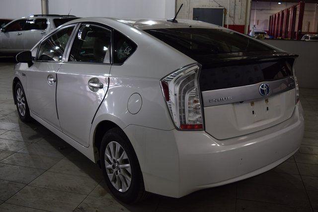 2014 Toyota Prius Plug-In Advanced Richmond Hill, New York 3