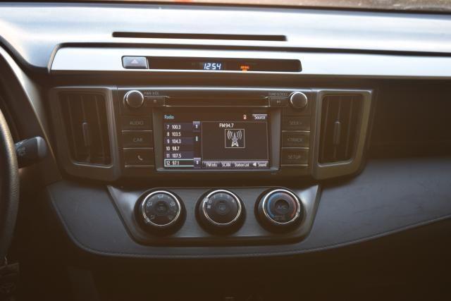 2014 Toyota RAV4 LE Richmond Hill, New York 10