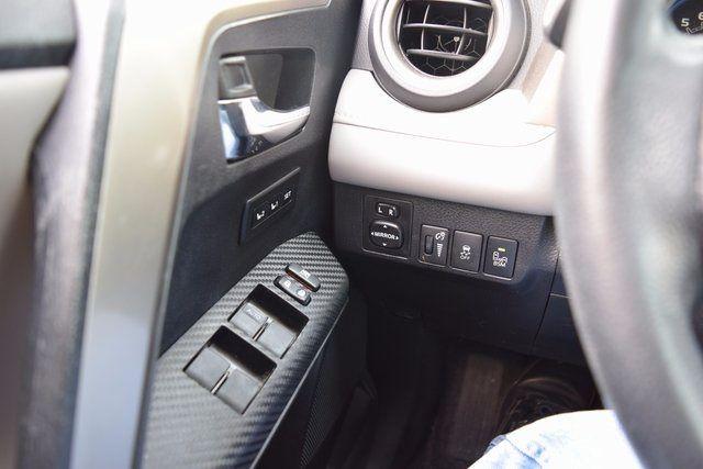 2014 Toyota RAV4 Limited Richmond Hill, New York 23
