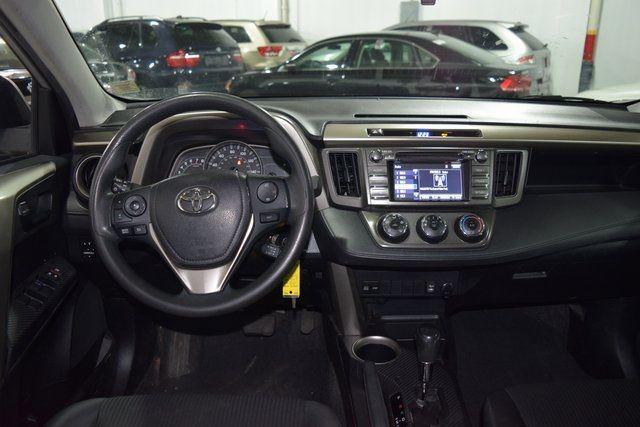 2014 Toyota RAV4 LE Richmond Hill, New York 12