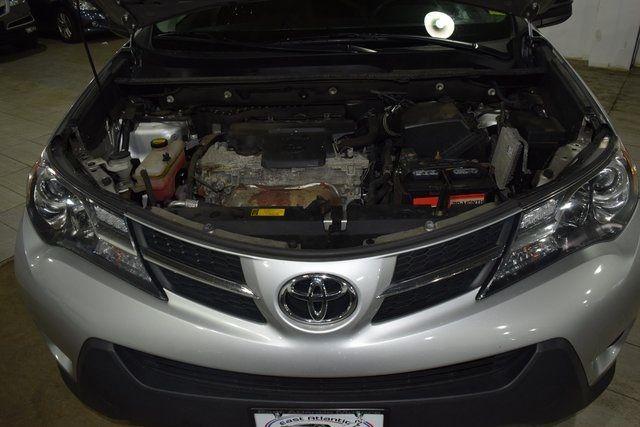2014 Toyota RAV4 LE Richmond Hill, New York 3
