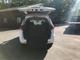 2014 Toyota Sienna XLE Handicap Wheelchair accessible van Dallas, Georgia 4