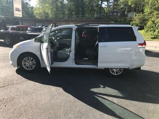 2014 Toyota Sienna XLE Handicap Wheelchair accessible van Dallas, Georgia 9