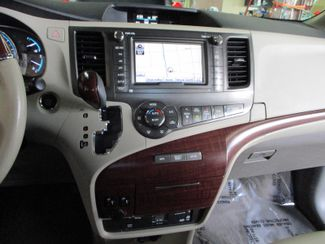 2014 Toyota Sienna Ltd Farmington, Minnesota 6