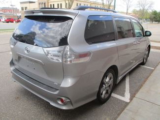 2014 Toyota Sienna SE Farmington, Minnesota 1