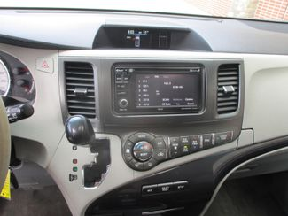 2014 Toyota Sienna SE Farmington, Minnesota 6