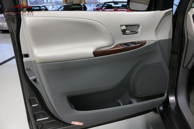 2014 Toyota Sienna XLE Merrillville, Indiana 29