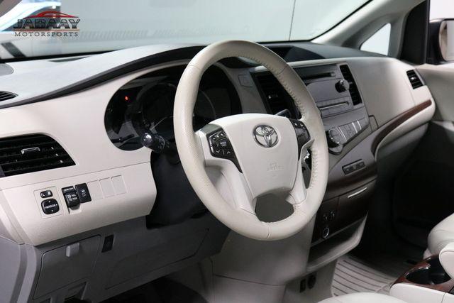 2014 Toyota Sienna XLE Merrillville, Indiana 9