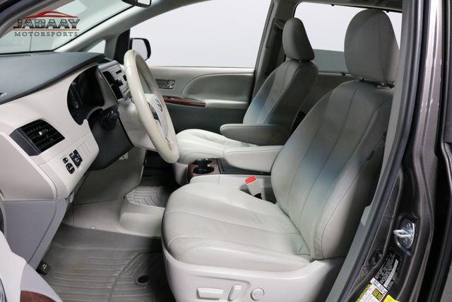 2014 Toyota Sienna XLE Merrillville, Indiana 10