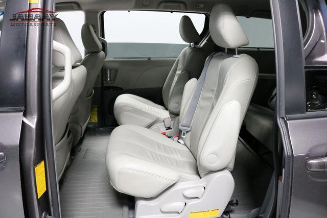 2014 Toyota Sienna XLE Merrillville, Indiana 12