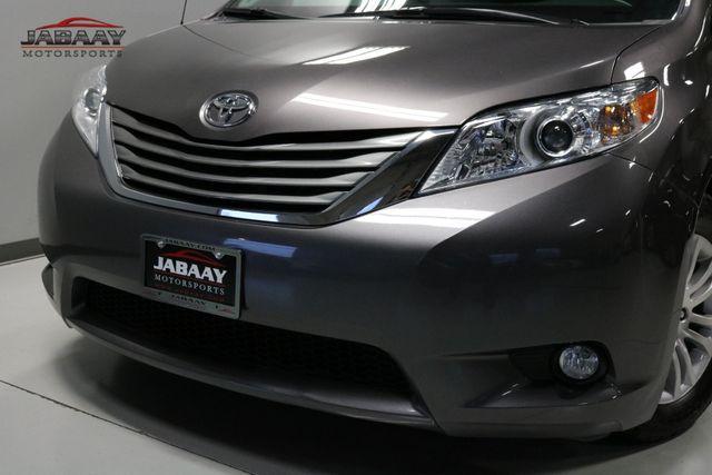 2014 Toyota Sienna XLE Merrillville, Indiana 32