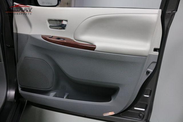 2014 Toyota Sienna XLE Merrillville, Indiana 30