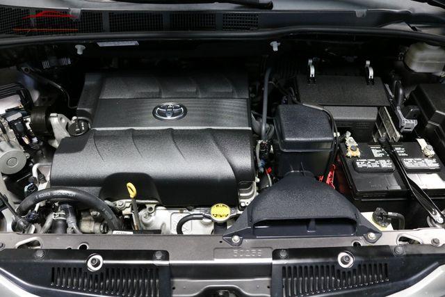2014 Toyota Sienna XLE Merrillville, Indiana 8
