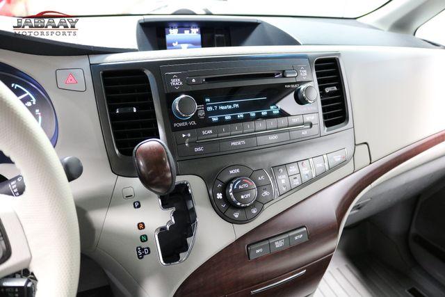 2014 Toyota Sienna XLE Merrillville, Indiana 20