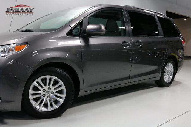 2014 Toyota Sienna XLE Merrillville, Indiana 33