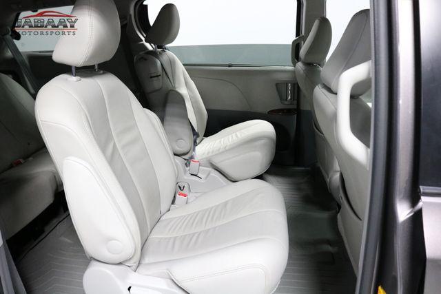 2014 Toyota Sienna XLE Merrillville, Indiana 14