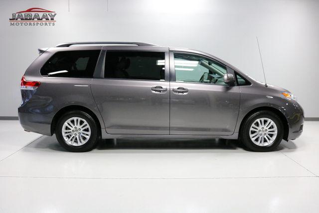 2014 Toyota Sienna XLE Merrillville, Indiana 5